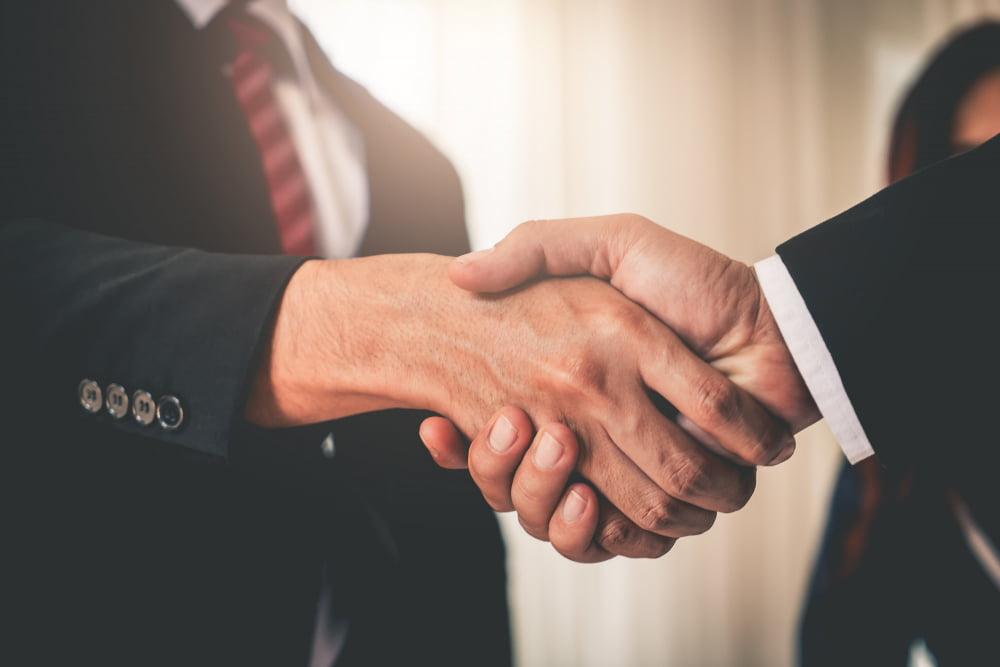 Advogado e Contador fechando uma parceria